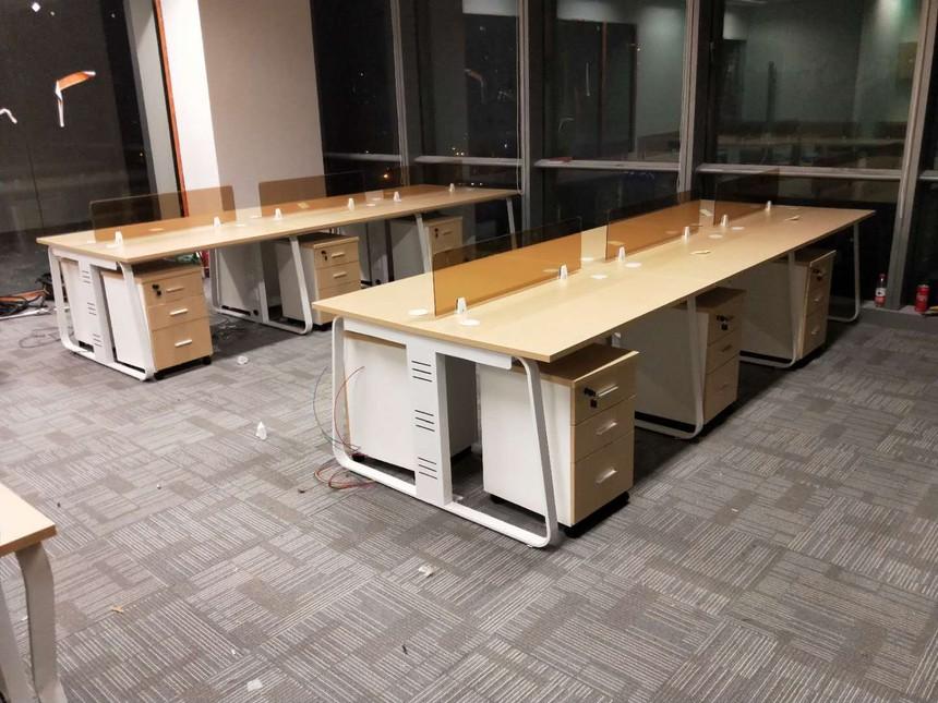 怎么判断办公桌椅配套家具的质量?